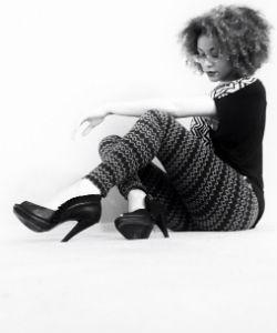 devri black and white curly hair 250x300